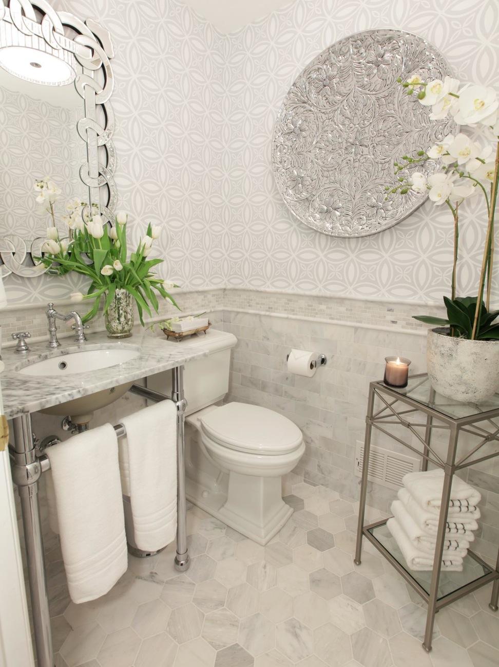 baños originales con espejos llamativos