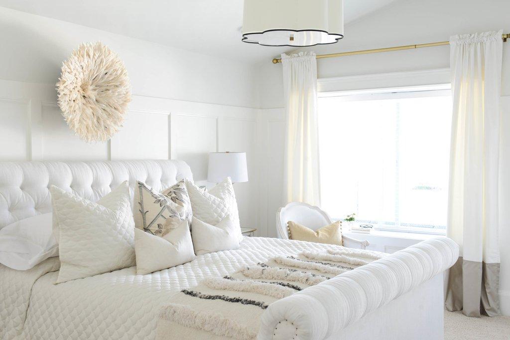 dormitorios blancos y textiles claros