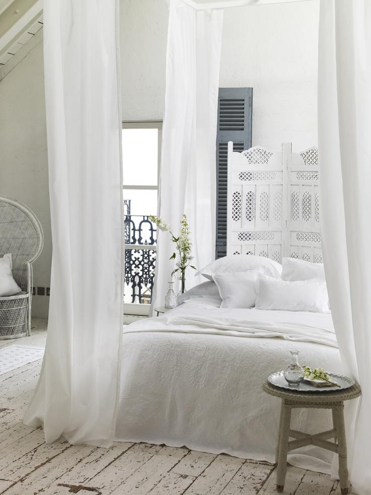 dormitorios blancos amplios