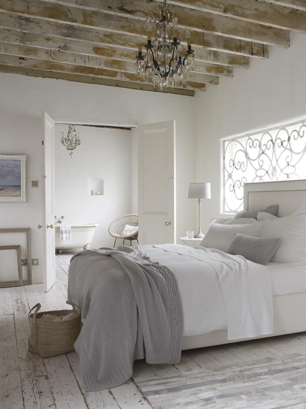 dormitorios blancos - decoración rústica