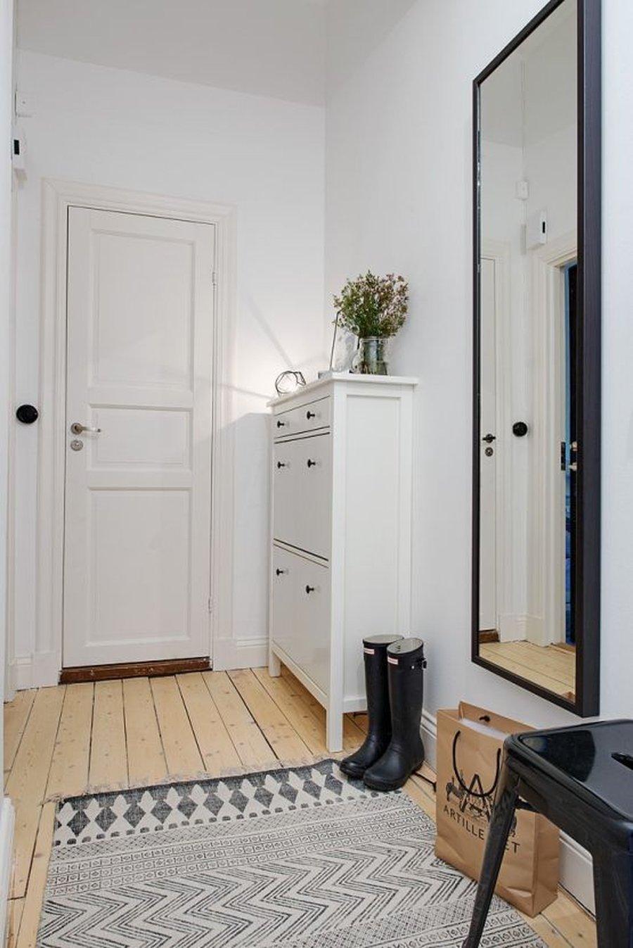 mueble recibidor pequeño de estilo nórdico