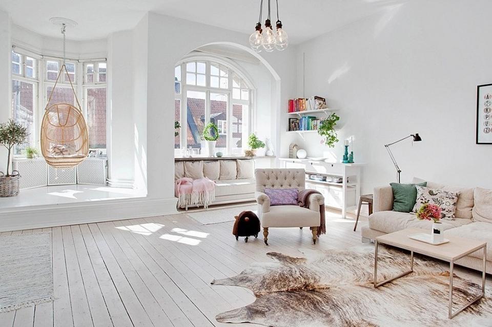 muebles escandinavos en tonos claros