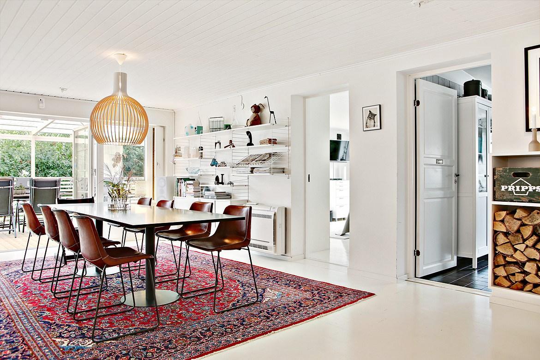 muebles escandinavos en el comedor