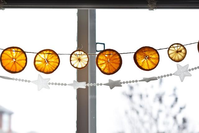 decoración nórdica - guirnaldas aromáticas de cítricos