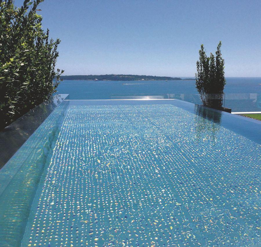 Revestimientos de piscina - acero