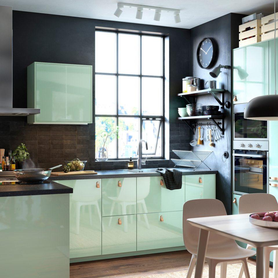 Cocina en negro y verde