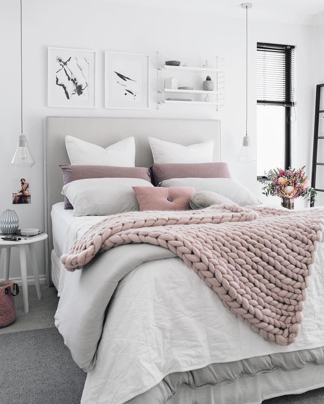 Dormitorio en tonos claros