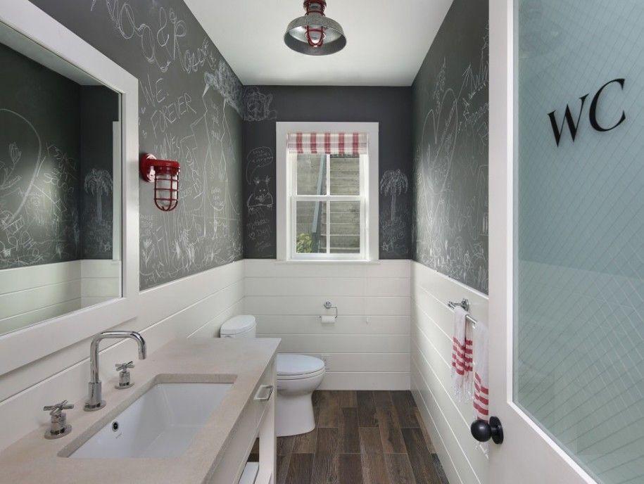 Baños negros con pintura de pizarra