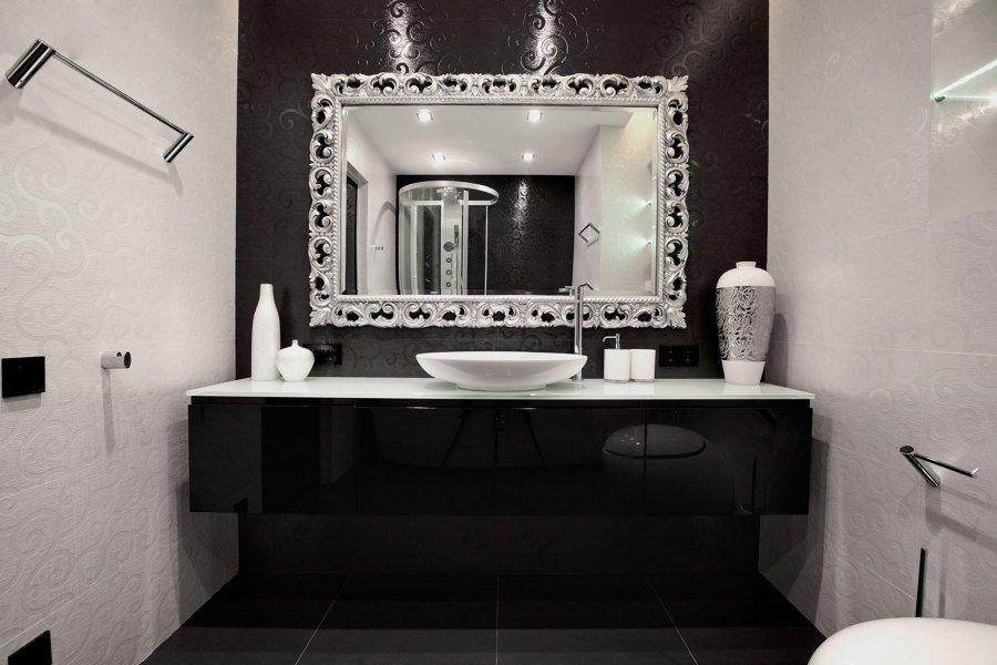 Baños negros - resaltar piezas