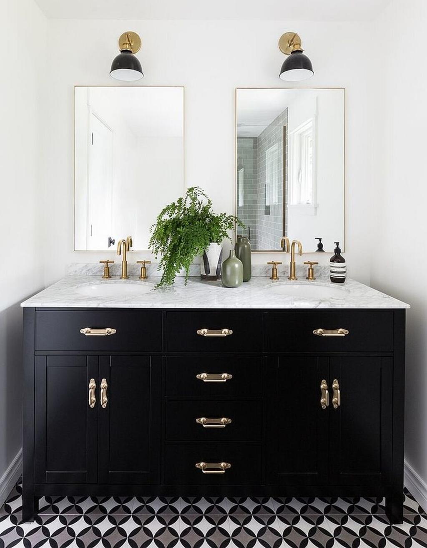 Baños negros - mobiliario