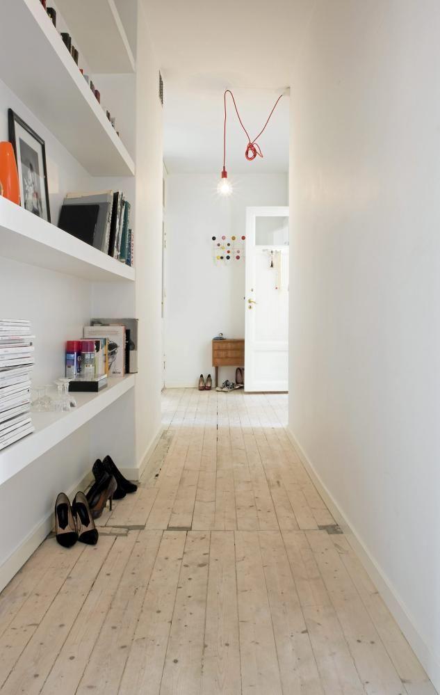 Decoración de pasillos - estantes de obra