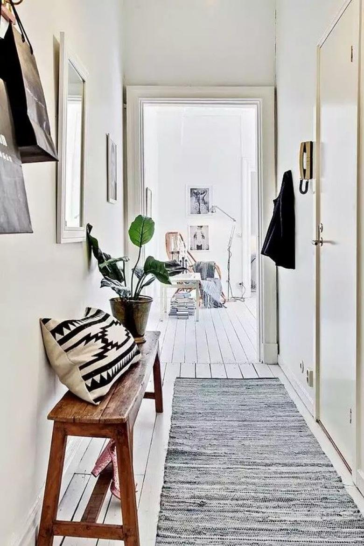 Decoración de pasillos - banco madera