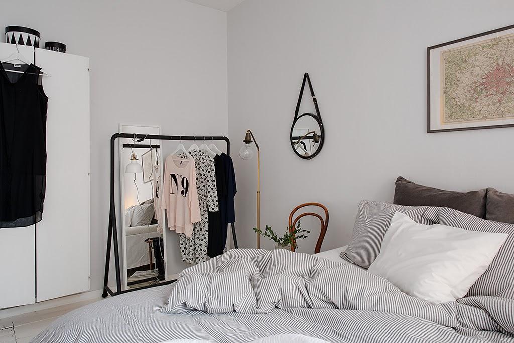 dormitorios con burro y espejo