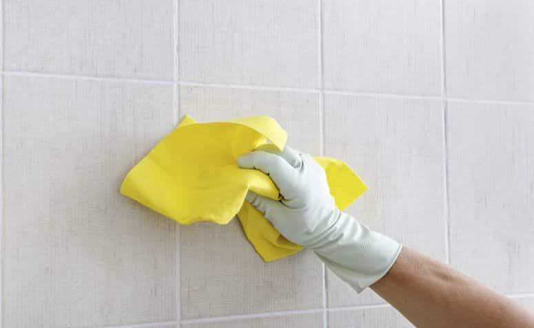 como renovar la cocina y el bano con pintura para azulejos 4