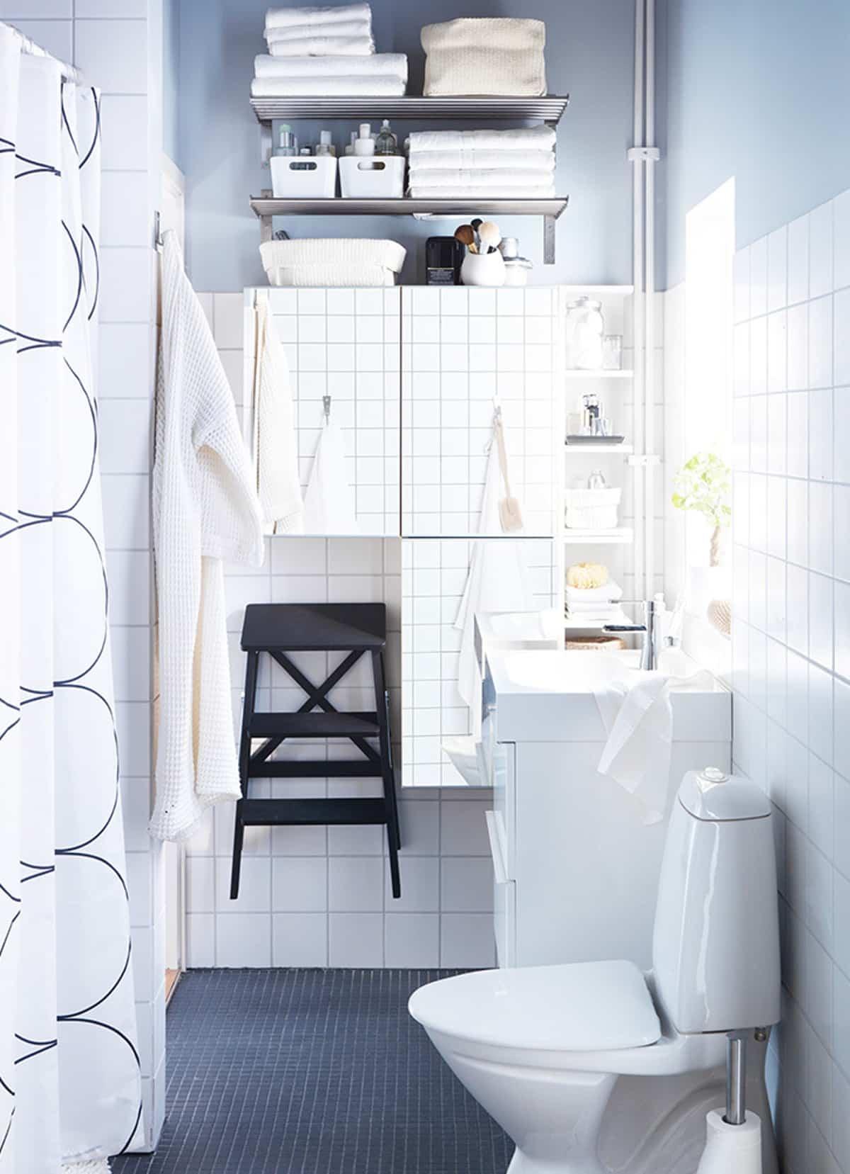 como aprovechar el espacio en los banos pequenos 10