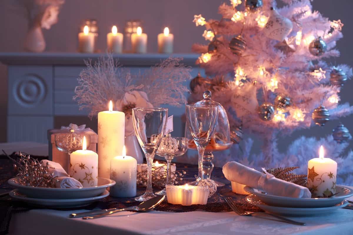 como iluminar la casa en navidad 9