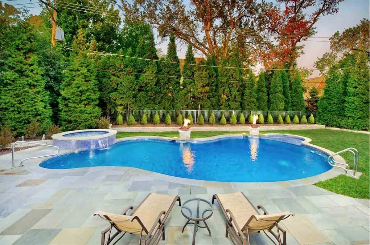 claves para elegir las plantas y arboles en la zona de la piscina 10
