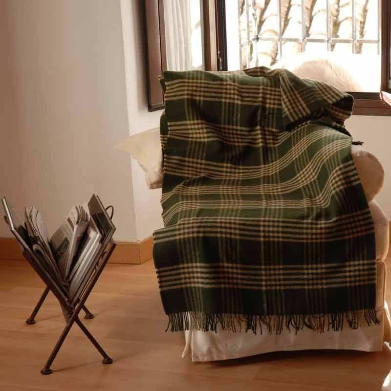 Plaid de lana para el sofá, tu gran aliado para el frío