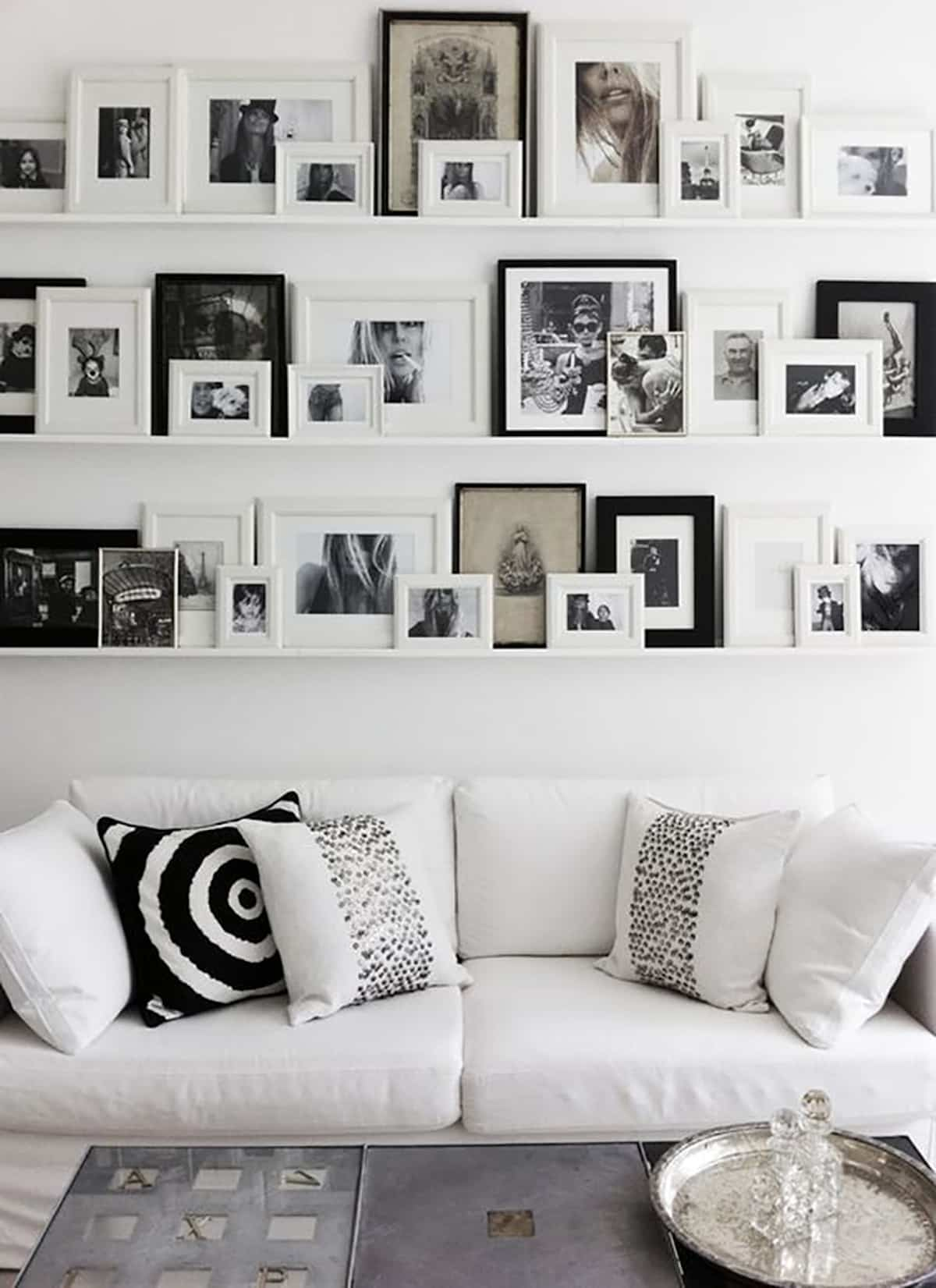 ideas para decorar la pared del sofa 12