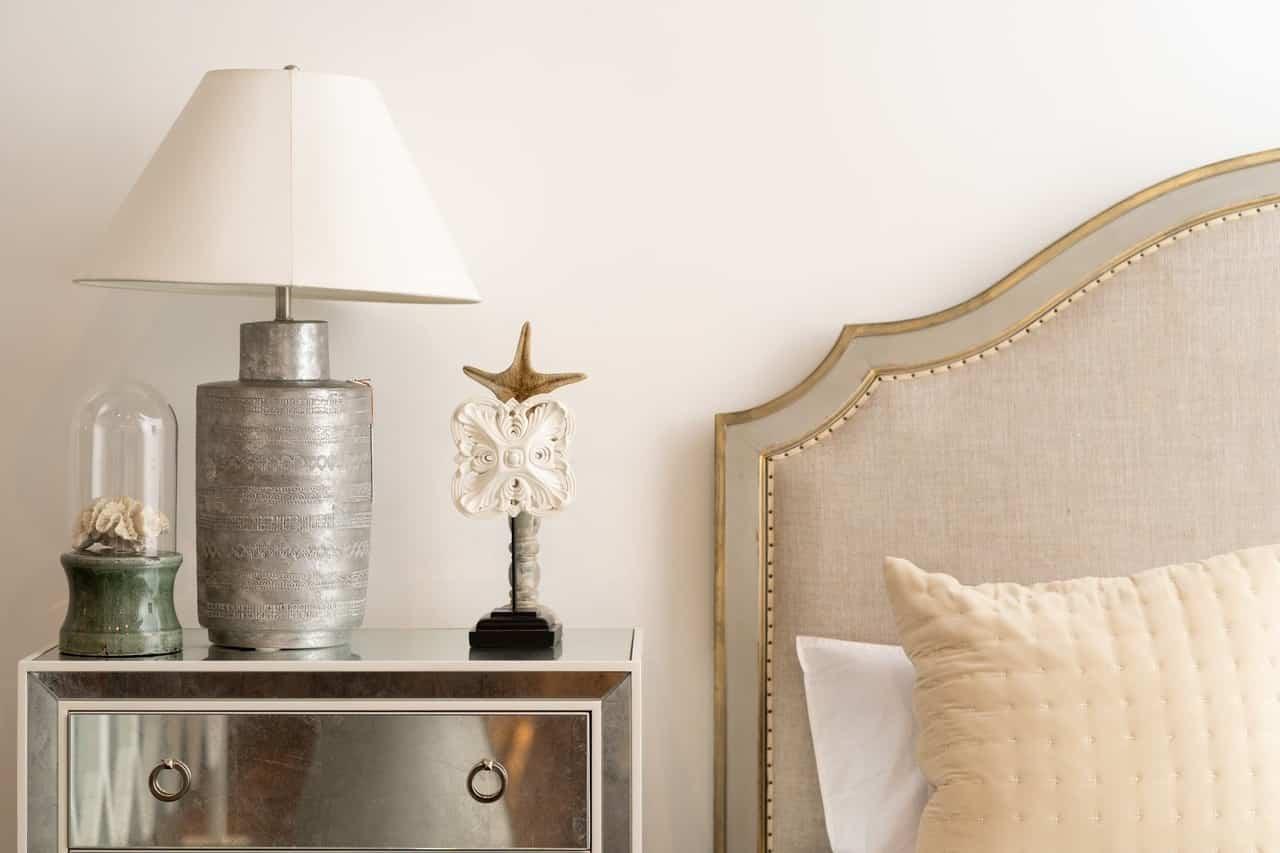 Lamparas de mesa ? accesorio imprescindible para el dormitorio